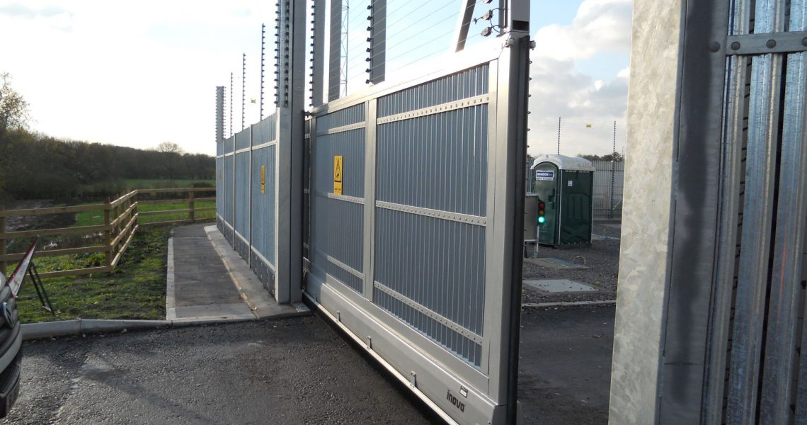 A vehicle entry gate on the Lochrin Combi CPNI fencing system.