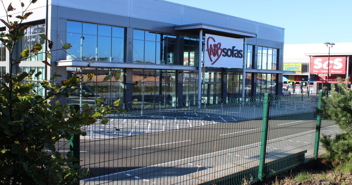 Lochrin WaveGUARD fencing installed around a retail park.